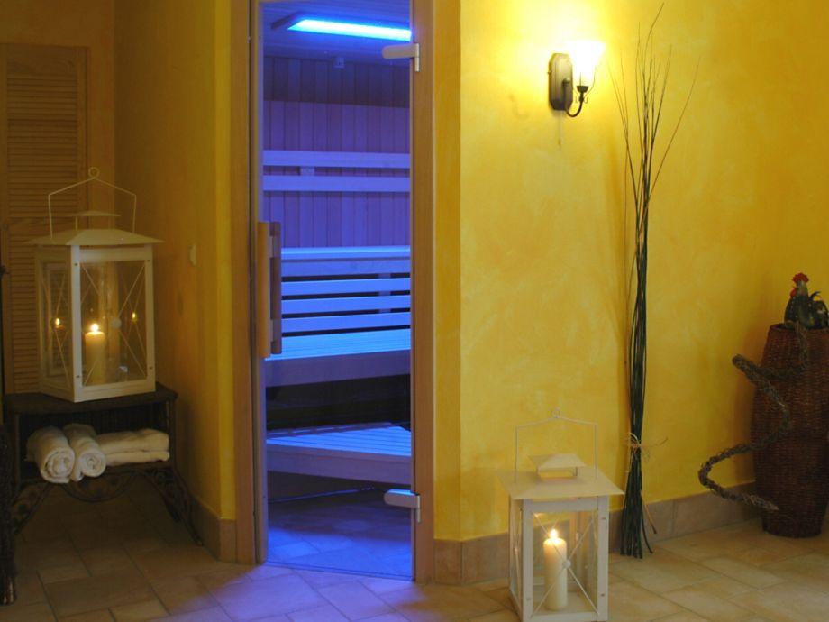 Dampf-Sauna mit Lichtspiel
