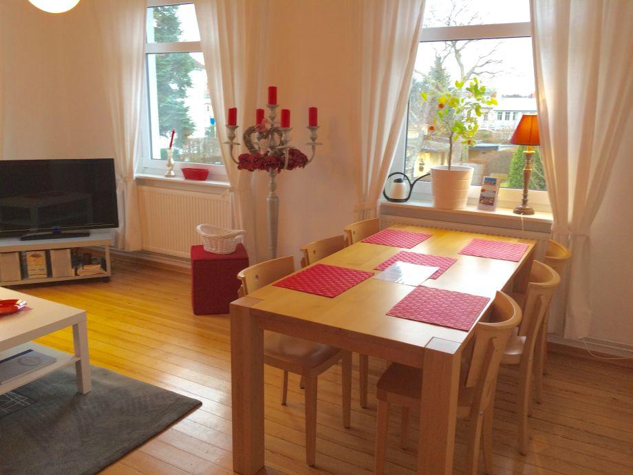 Ferienwohnung villa sonneneck we 2 1 og k hlungsborn for Langer esstisch