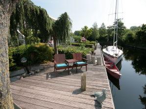 Ferienhaus Haus am Wasser