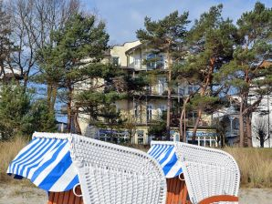 Apartment Stranpromenade - 1. row at the sea incl. beach chair