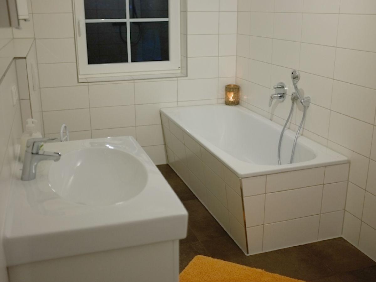 ferienhaus bootsstelle jasmunder bodden auf r gen frau carmen ziehe. Black Bedroom Furniture Sets. Home Design Ideas