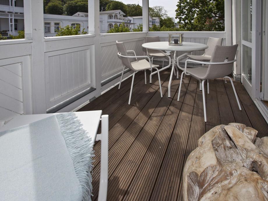 ferienwohnung blue pearl insel r gen herr reinhard holewa. Black Bedroom Furniture Sets. Home Design Ideas