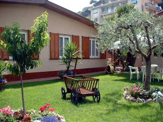 ferienhaus sommeroase italien ligurien imperia camporosso frau liselotte pavia. Black Bedroom Furniture Sets. Home Design Ideas
