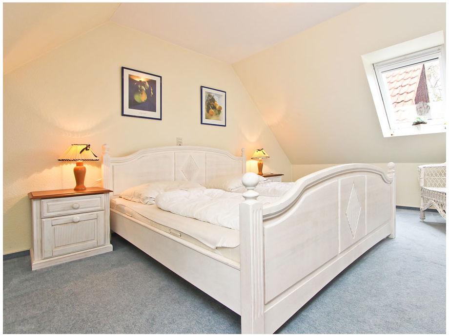Schlafzimmer II mit Doppel- und Einzelbett