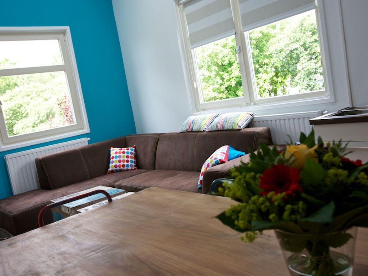 Apartment perruque friesland ijsselmeer frau janny for Wohnzimmer ecksofa