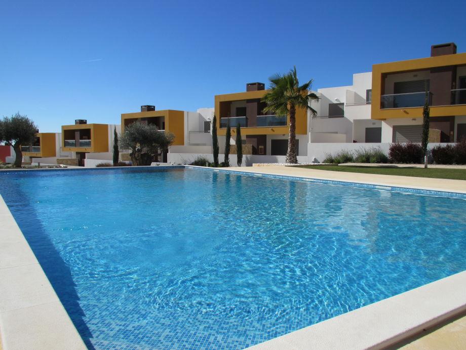 neue, kleine und moderne Ferienanlage mit 3 Pools