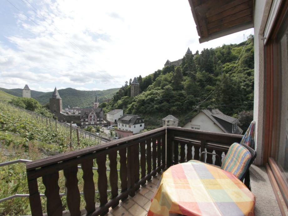 Blick von der Terrasse auf Bacharach