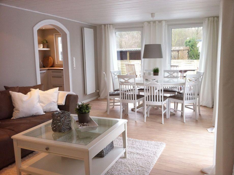 ferienhaus sommerhus schleswig holstein ostsee timmendorfer strand frau nina streich. Black Bedroom Furniture Sets. Home Design Ideas