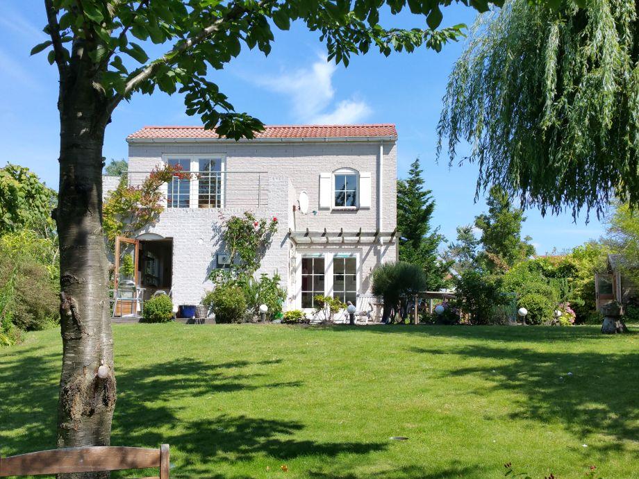 Blick auf's Haus von der Seeseite aus