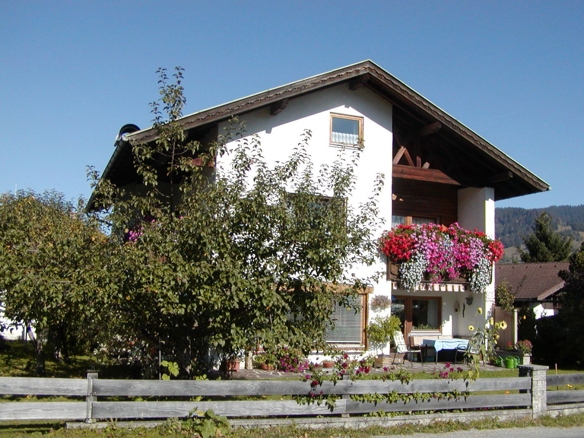 ferienwohnung haus steininger ammergauer alpen frau josefine steininger. Black Bedroom Furniture Sets. Home Design Ideas