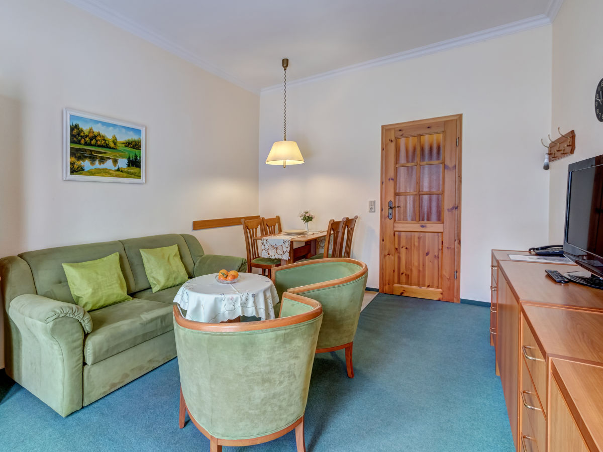 ferienwohnung haus am wald whg 02 ahlbeck usedom firma touristik service usedomtours. Black Bedroom Furniture Sets. Home Design Ideas