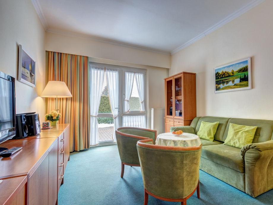 Wohnzimmer mit Flat-TC und W-LAN