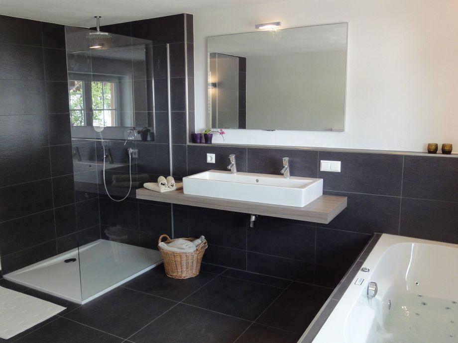 Luxus Badezimmer Mit Whirlpool ~ Dekoration und Interior Design ... | {Luxus badezimmer modern 80}