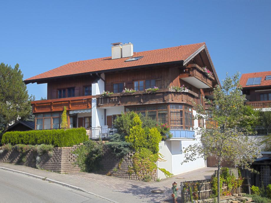 Haus Am Sonnenbergle mit Ferienwohnung Selina
