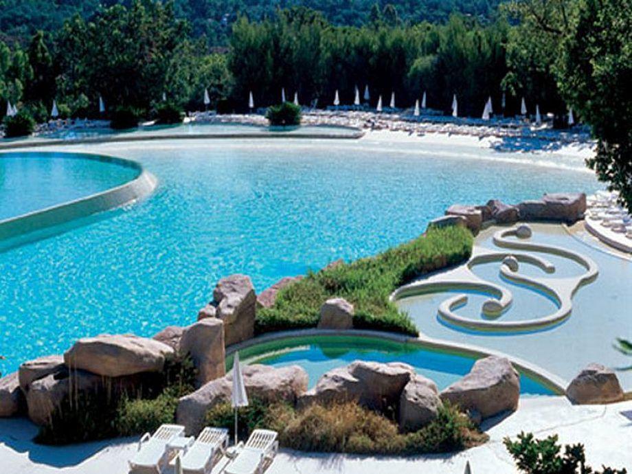 Großartige Poollandschaft der Ferienanlage