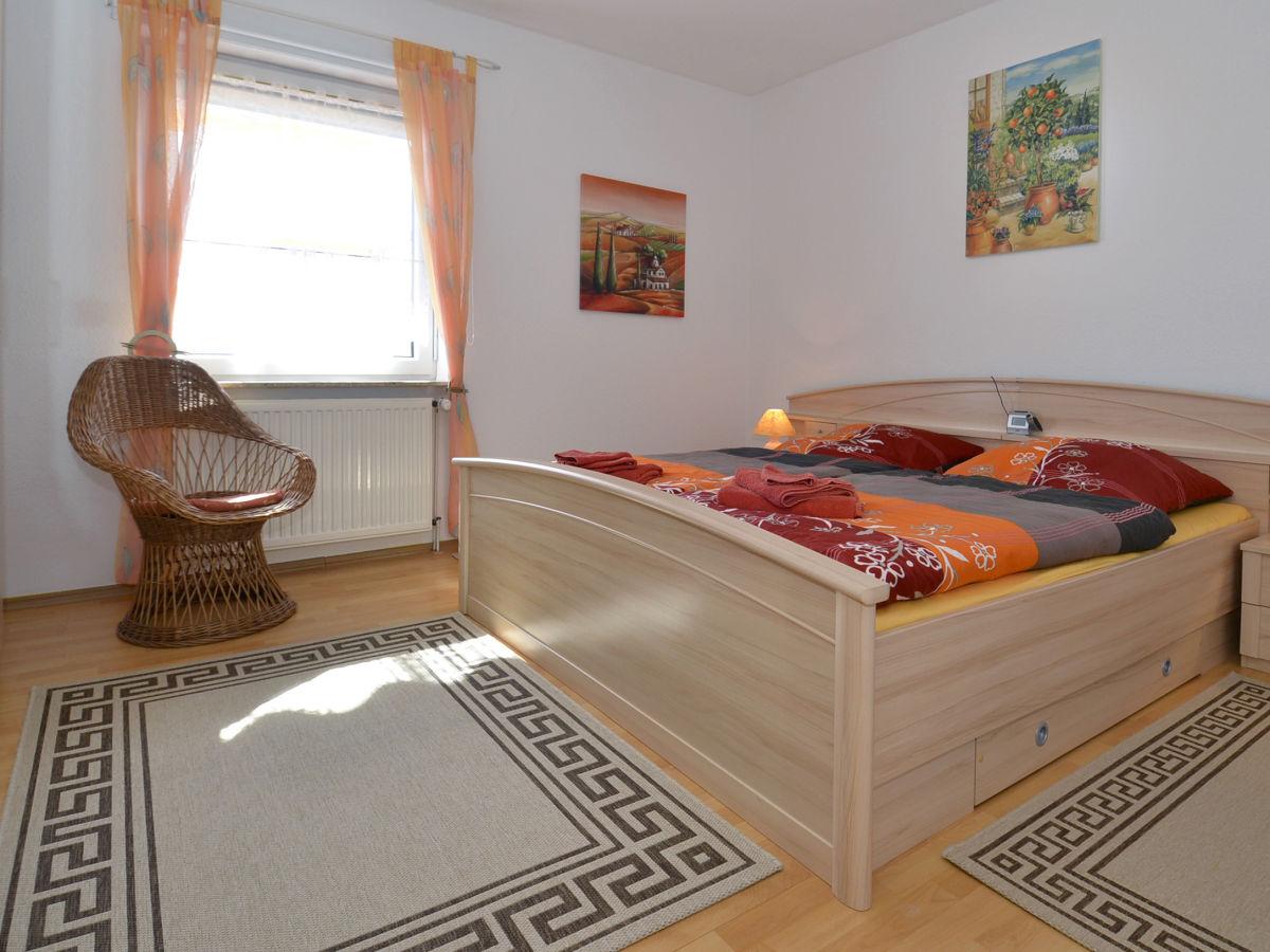 Ferienwohnung christiani 1 dorum neufeld cuxland - Spiegelschrank schlafzimmer ...