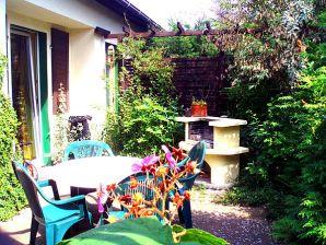 Ferienwohnung 2 im Waldhaus am Ferienpark Mirow