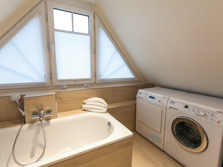 Wohnung Dusche In Der K?che : Das Badezimmer mit Dusche und WC In der Wohnung befinden sich
