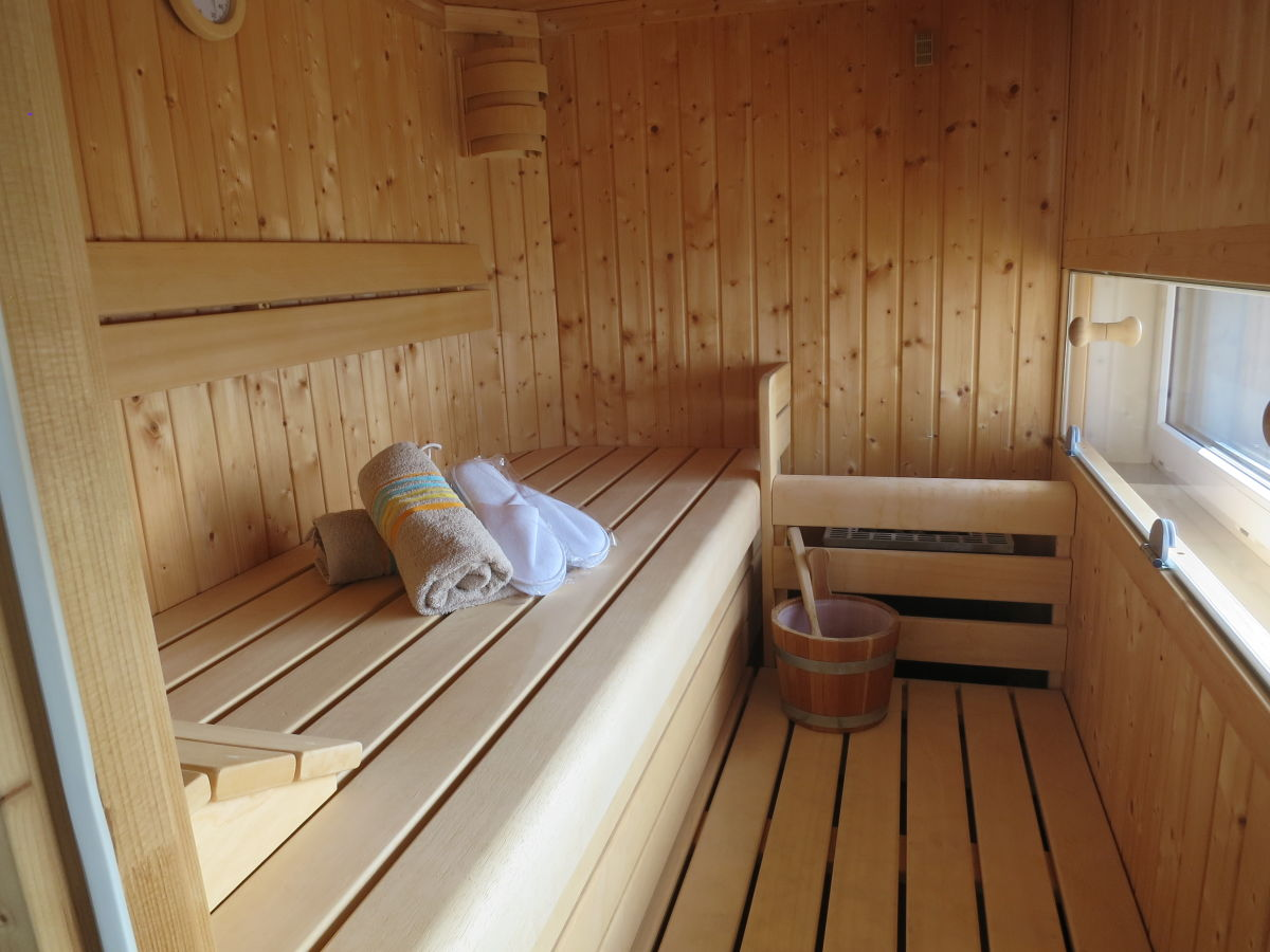 realisierte sauna projekte mit infrarotstrahler. spa am ... - Relax Finnische Blockhaus Sauna Studio Markunpoika