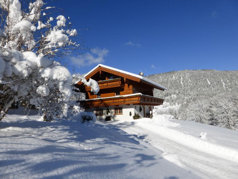 Ferienhäuschen im Winterwunderland am Frechenlehen