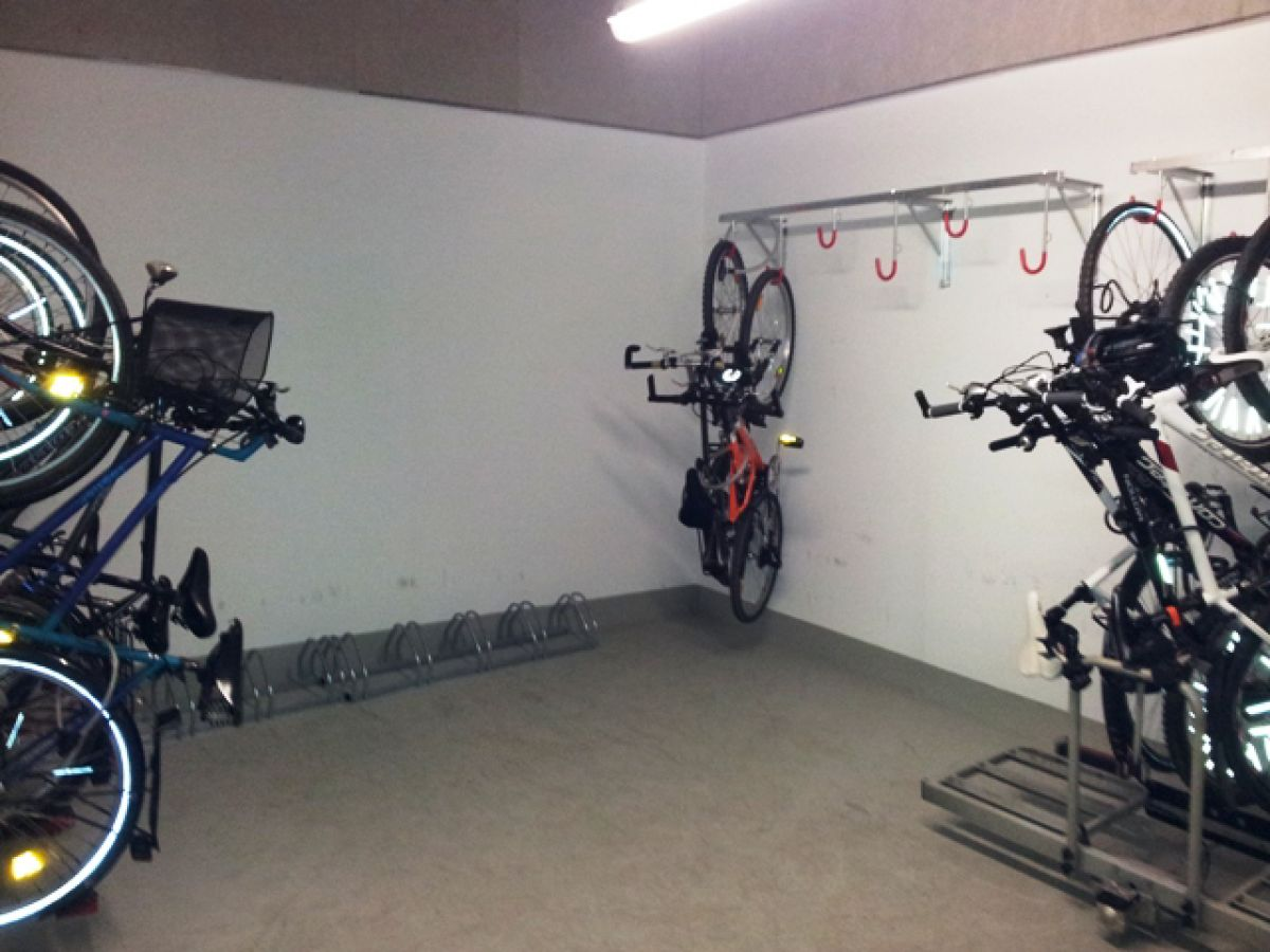 Ebenerdige Dusche Keller : abschlie?barer Fahrradkeller Selliner Seebr?cke mit Tauchgondel