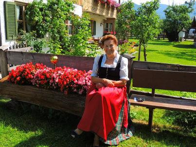 Ihr Gastgeber Agnes Wohlmuth sen.