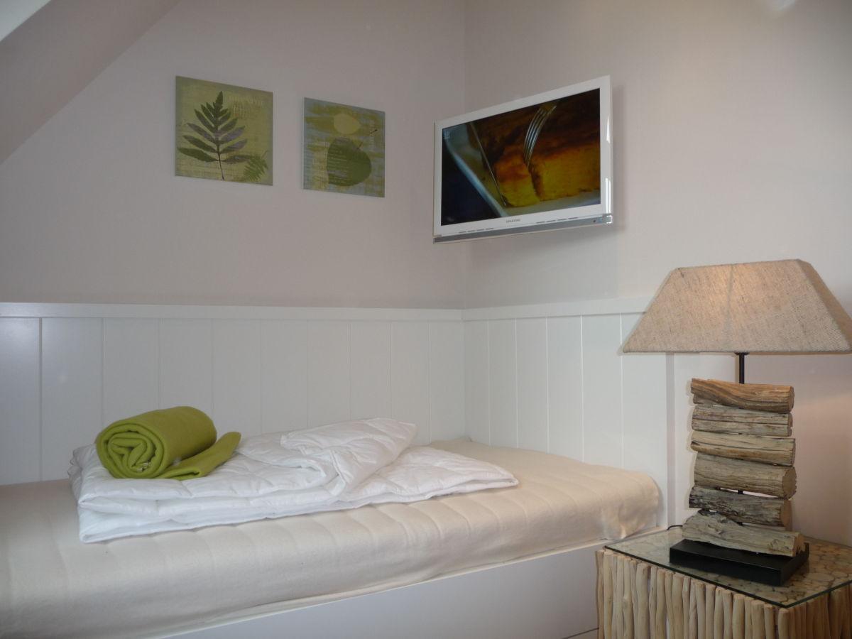 kleines schlafzimmer mit schrage ~ digrit for .