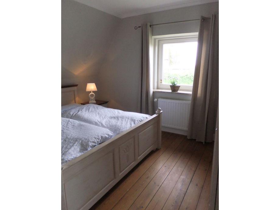 h ngeschr nke wohnzimmer raum und m beldesign inspiration. Black Bedroom Furniture Sets. Home Design Ideas