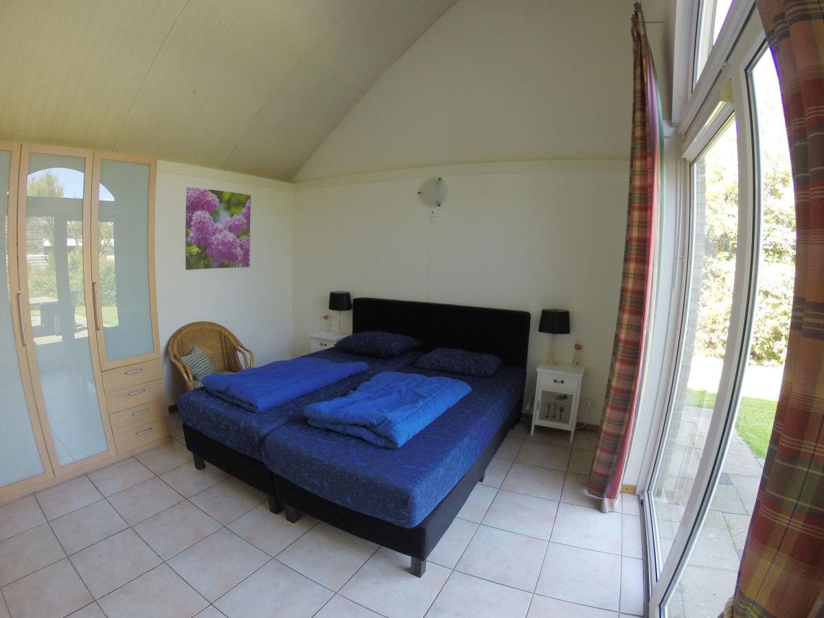 ferienhaus auf zeeland zoutelande zoutelande familie. Black Bedroom Furniture Sets. Home Design Ideas