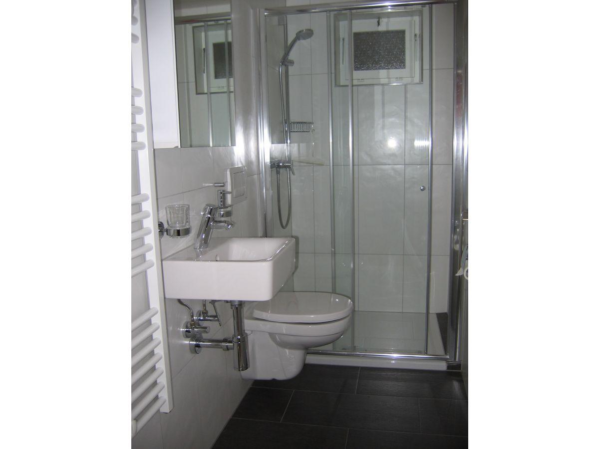 ferienwohnung isliweg 11 3714 frutigen frutigtal frau. Black Bedroom Furniture Sets. Home Design Ideas