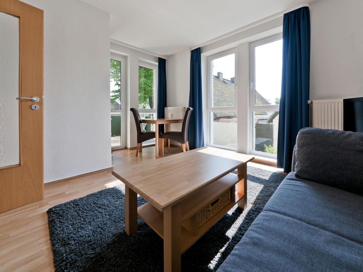wohnzimmer grose fensterfront. Black Bedroom Furniture Sets. Home Design Ideas