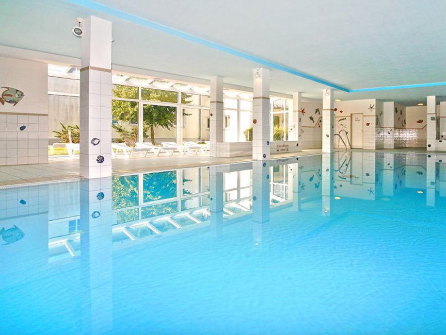 Traumhaus in deutschland mit pool  Ferienhaus Villa Bella Casa (Haus Lee), Ostsee, Insel Rügen ...