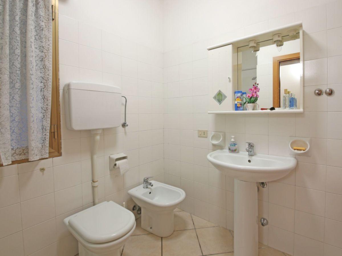 Ferienhaus tipo 8321 la villa 2 gardasee firma - Bagno la villa pinarella ...