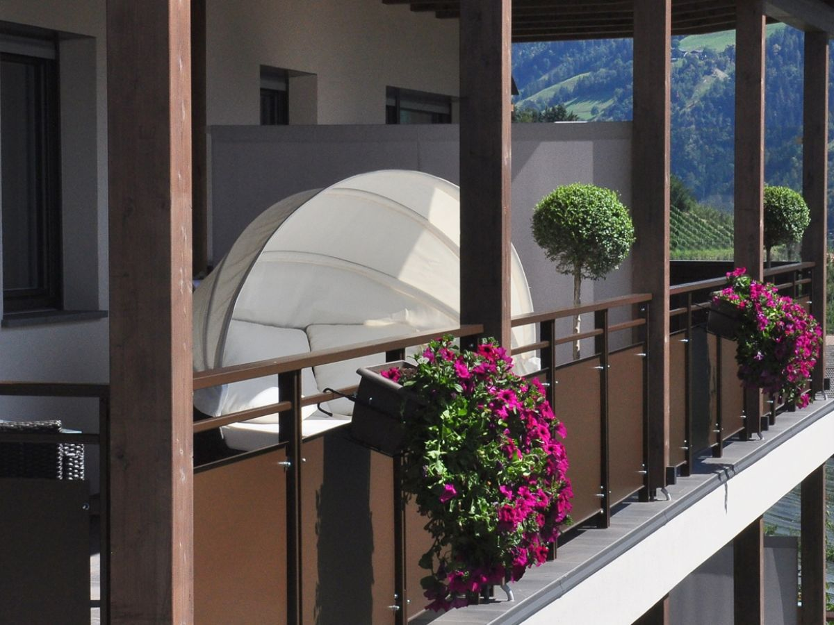 ferienwohnung landhaus freiburgerhof s dtirol meraner land riffian frau christa ortner. Black Bedroom Furniture Sets. Home Design Ideas