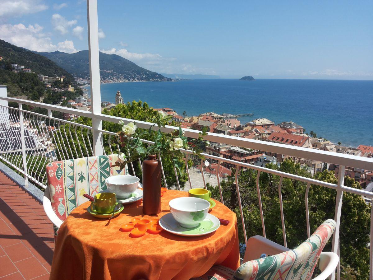 Ferienwohnung bella laigueglia ligurien familie armilio for Ameisen auf dem balkon