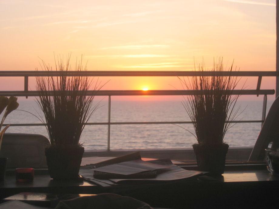 Und immer wieder: Ausblick und Sonnenuntergänge
