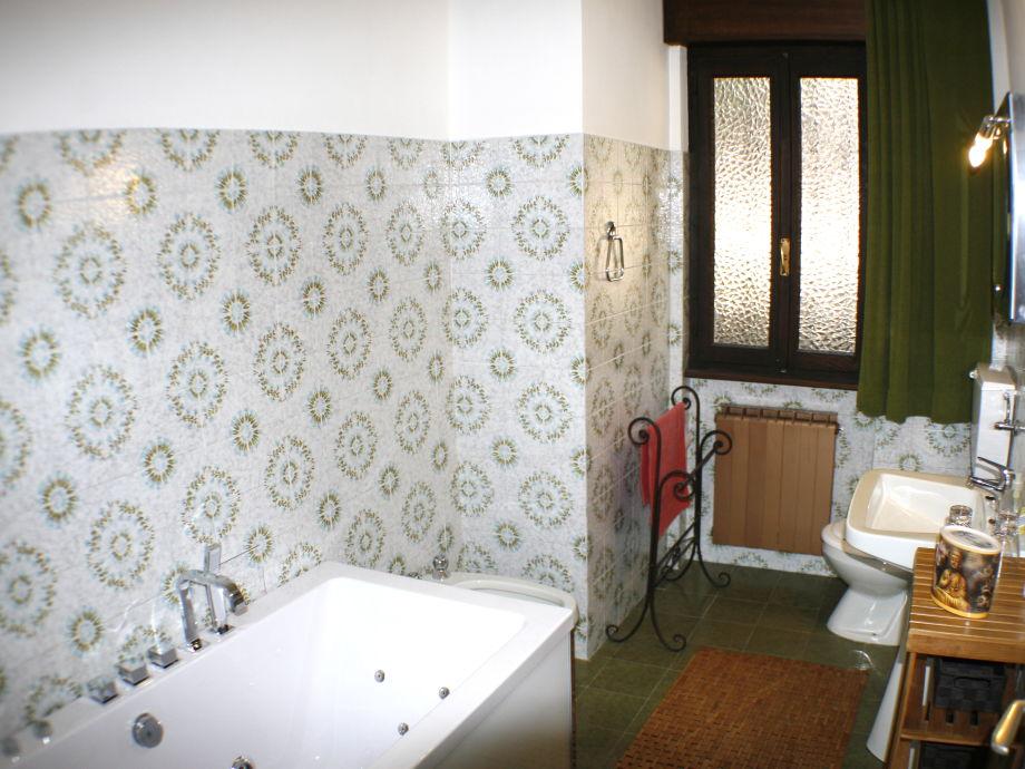 Badezimmer Mit Whirlpool ~ Kreative Deko Ideen Und Innenarchitektur