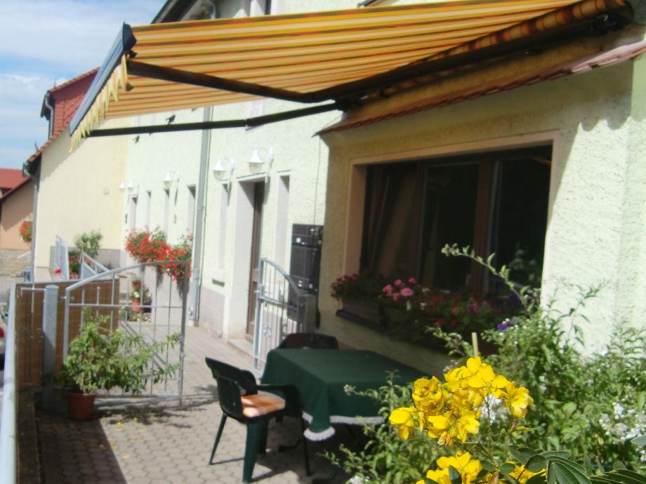 Terrasse zur Ferienwohnung