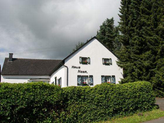 ferienhaus haus noga nordrhein westfalen nordeifel blankenheim frau monique noten. Black Bedroom Furniture Sets. Home Design Ideas