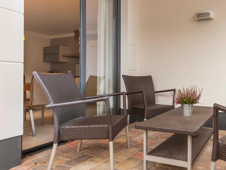 ferienwohnung villa baltic wohnung nr 1 f r 2 bis 4 personen ostsee r gen frau desdemona. Black Bedroom Furniture Sets. Home Design Ideas