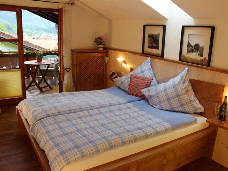 Schlafzimmer 1 Hirschberg