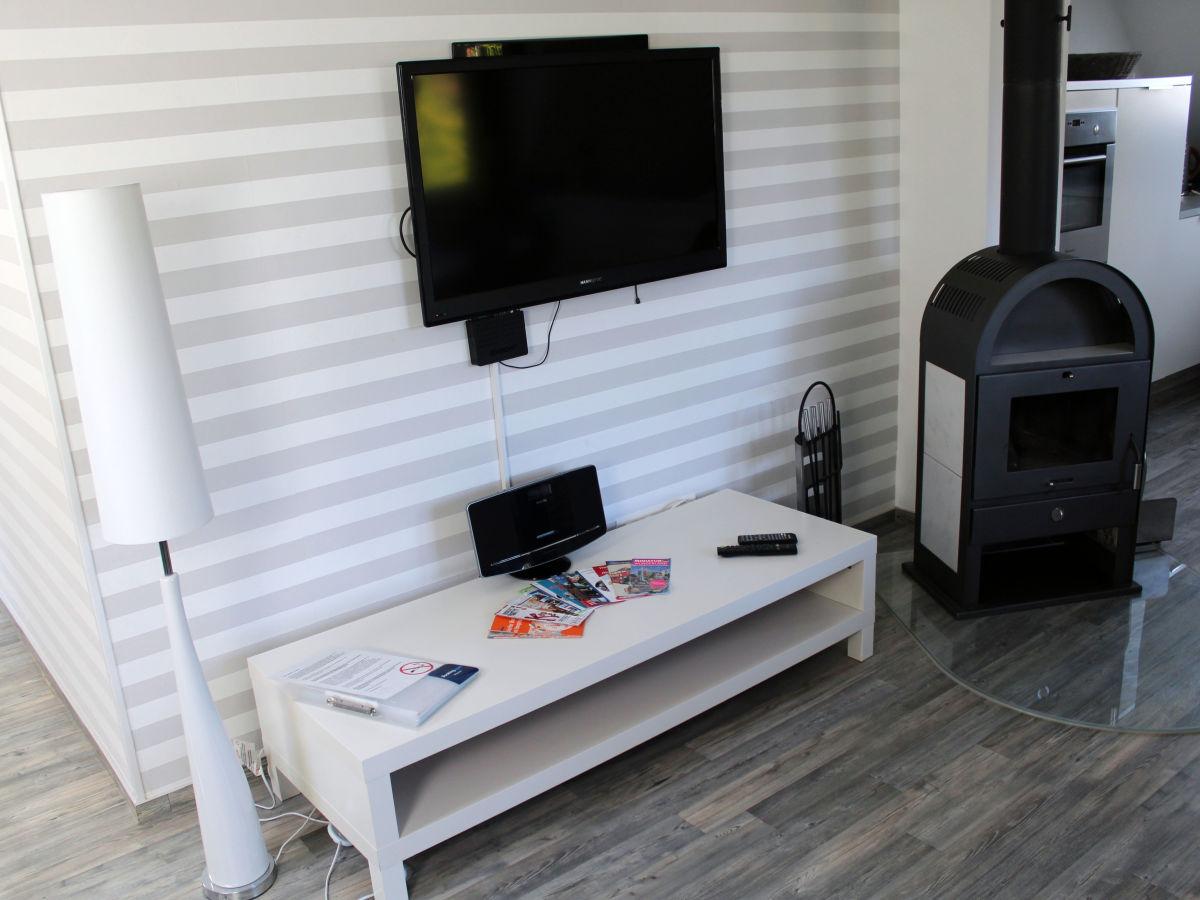Ferienwohnung exclusives apartment hamburg west f r 2 6 g ste lurup frau julia mandelbaum - Fernseh zimmer ...