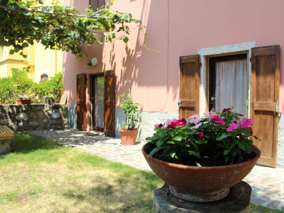Fassade und Garten