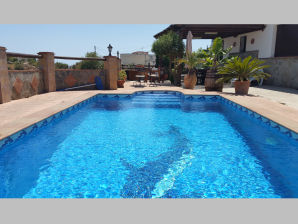 Ferienhaus Cortijo Ariza - Elegante Finca mit Pool