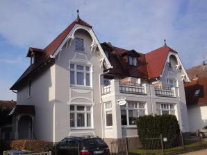 Apartment LUV im Ferienhaus OSTSEEROSE