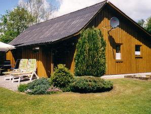 Ferienhaus im SCHWEDENSTIL in idyllischer Alleinlage