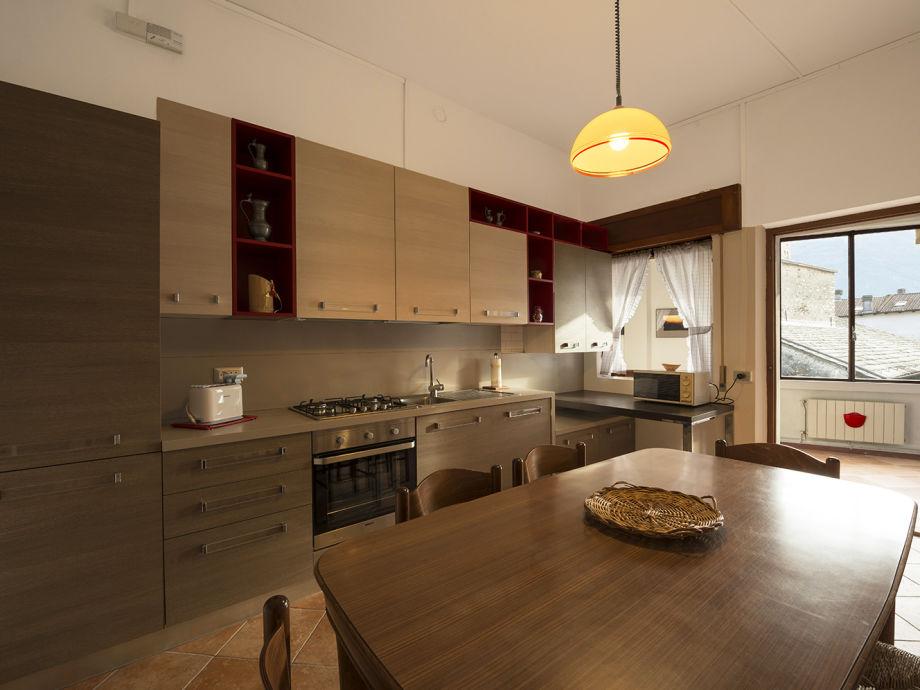 Küche mit Eingangsbereich
