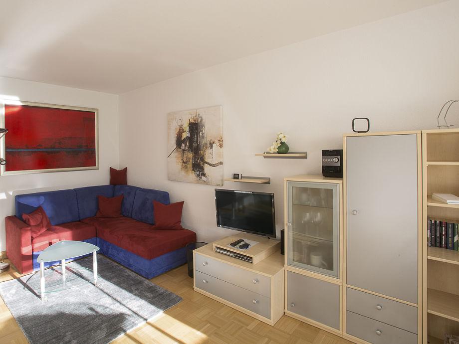 Wohnzimmer mit bequemer Couch!