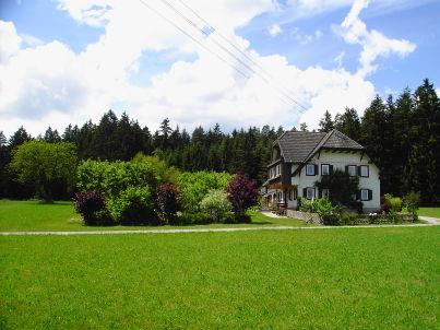 Ost im Schwarzwaldhaus mit privatem Barfusspfad