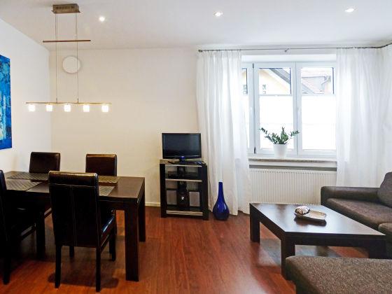 ferienwohnung am kurpark wohnung 1 60 qm garmisch. Black Bedroom Furniture Sets. Home Design Ideas